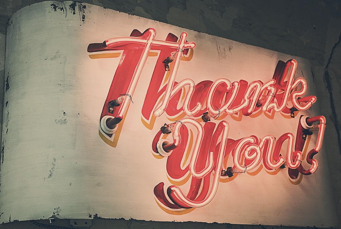 SkiMaquis wintersportdeluxe ontdekcorsica Merci thank you bedankpagina neonletters